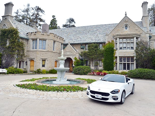 playboy-mansion-600x450